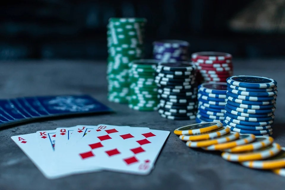 Strategies to Differentiate Poker Pros From Amateurs