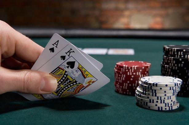 Advantages of Playing Judi Poker Online