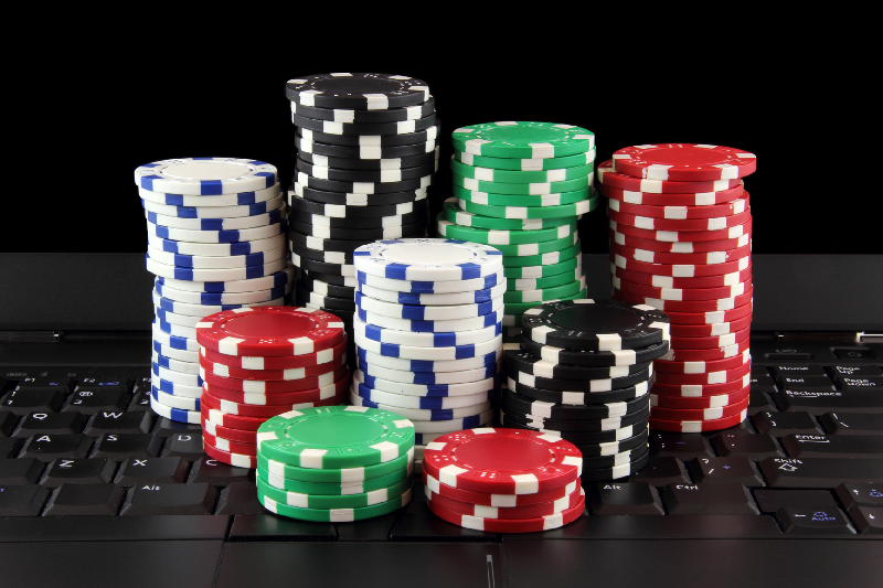 Diverse Benefits of Playing Online Poker