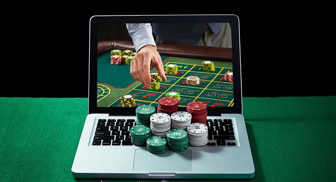 Earn and Enjoy Online Casino Games